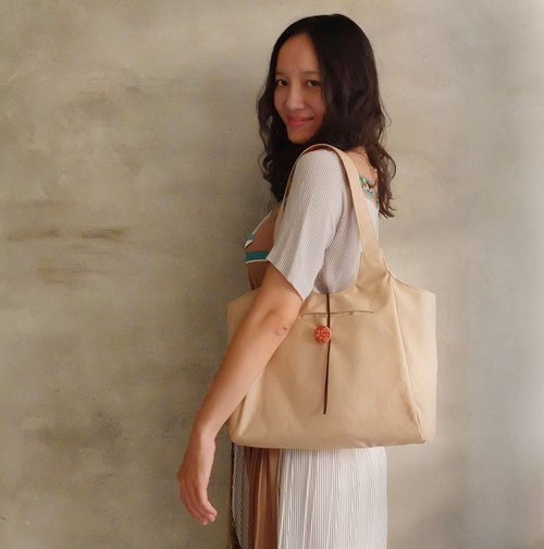 Eve sided single-sided document shall tea color retro canvas shoulder bag sealed suede rope painted wooden buckle