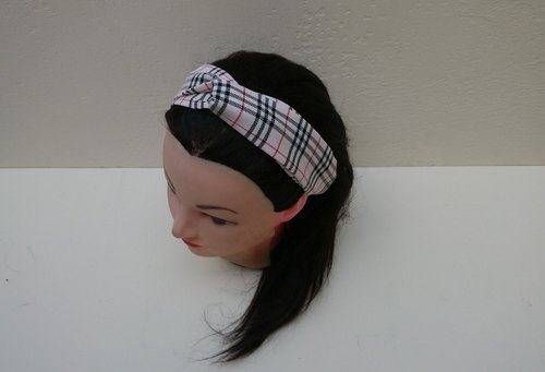 Pale stripe cross hair band