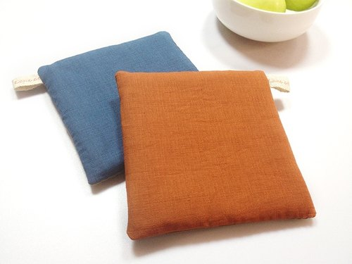 :: Lane68 :: rustic living hand-made place mats / heat pad (set of two)