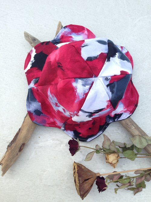 [Qucky] Ink Red / bud flowers cap