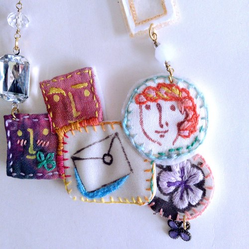 A hand-painted necklace email