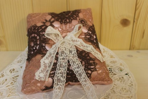Oleta wedding small things ╭ * [pink brown knitted lace flower ring pillow]