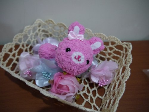 Marshmallow animal hair bundle - pink bunny money