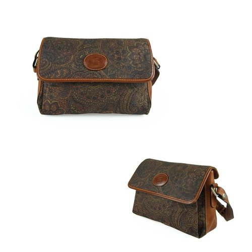 A‧PRANK: DOLLY :: VINTAGE retro with delicate folk carving pattern genuine leather packet