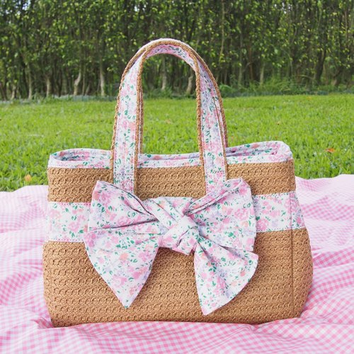 Picnic Floral hand side woven bag