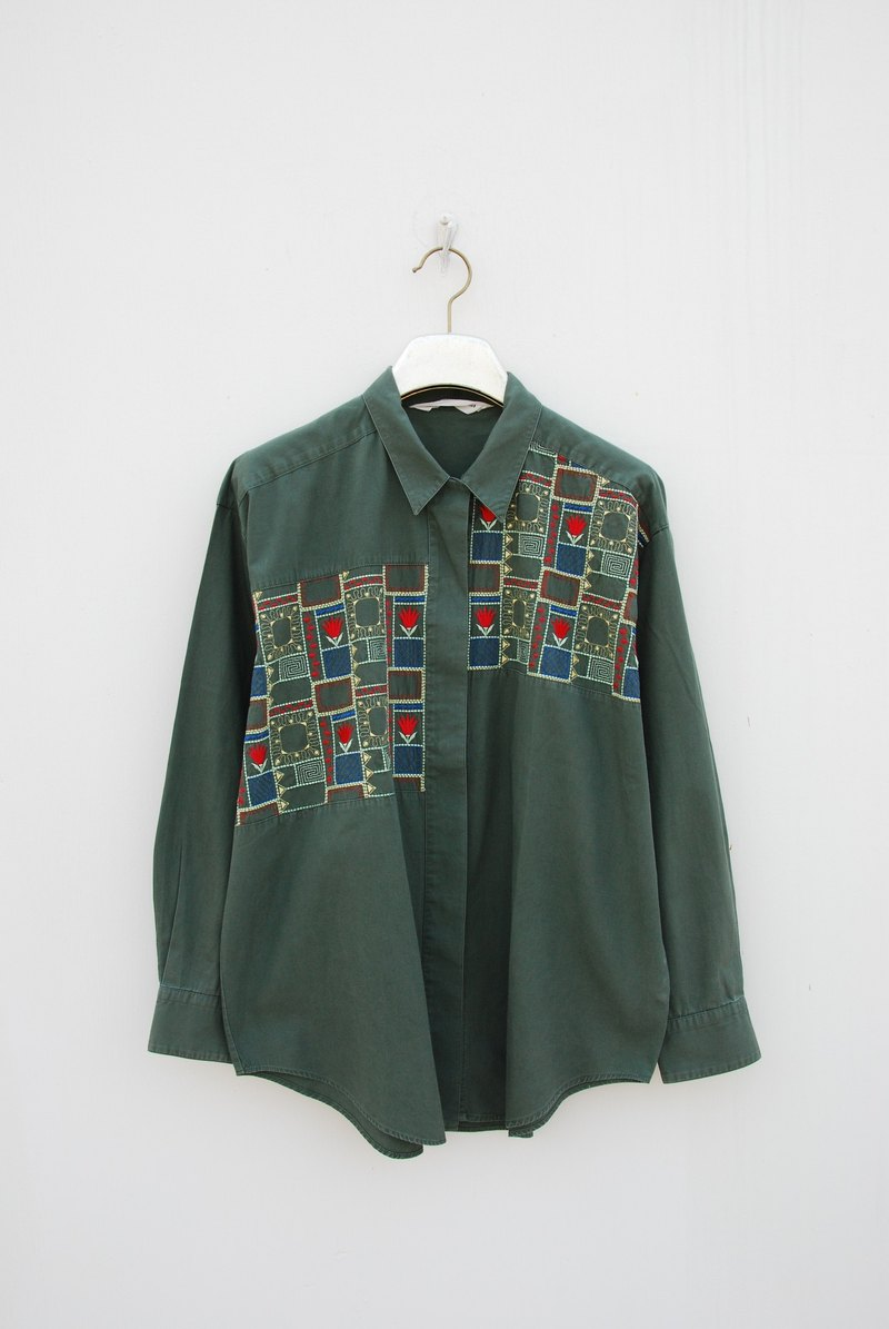 Neutral vintage shirt