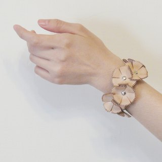 Do not impinge tanned leather full-life eternal flower bracelet