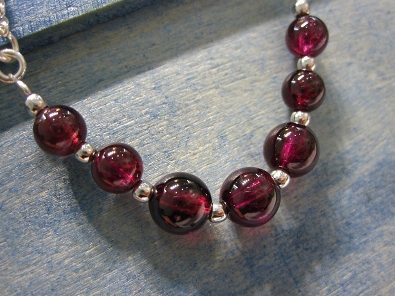 Dream of Red Mansions - all natural garnet 925 sterling silver bracelet Hong Kong design