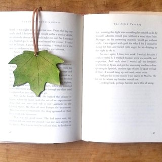 Leather leather leather - travel maple leaf bookmark (maple leaf green - light green) / strap / card - can be free guest exclusive English name / good sentence typing service
