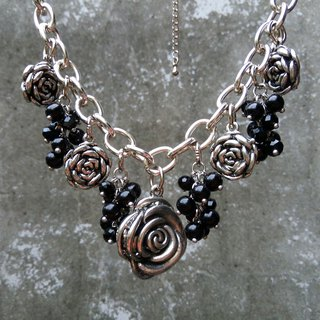 [Between Urban and Rural Areas] Grape Meets Rose/Necklace