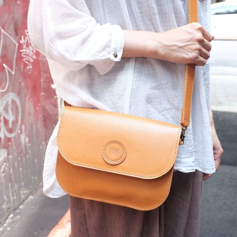 Retro round label bag side backpack oblique bag small bag-vegetable tanned cow leather-