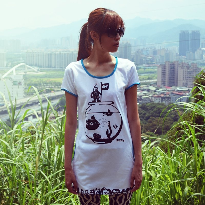 【Peej】'Travelling fish' Combed cotton t-shirt / White