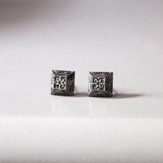 Shuttle Mi _ Earring (cool / neutral / classical / totem)