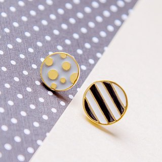 Stripe point stereo earrings