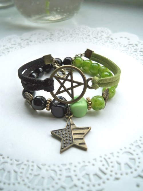 Double Star Romance bracelet - black and green stripe -2