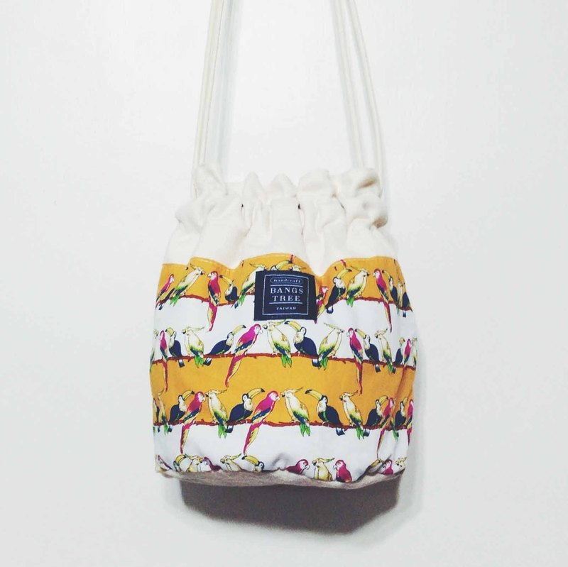 :::Bangstree:: Shoulder Bucket Bag -Yellow birds