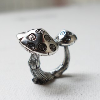 [Silver] hand-Petite Fille psychedelic mushrooms Silver Ring