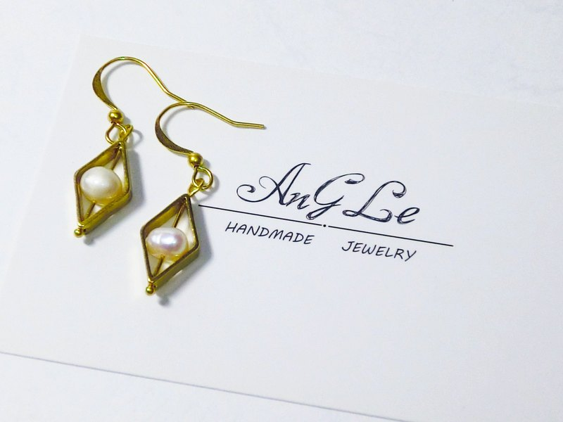 ❡ diamond pearl earrings