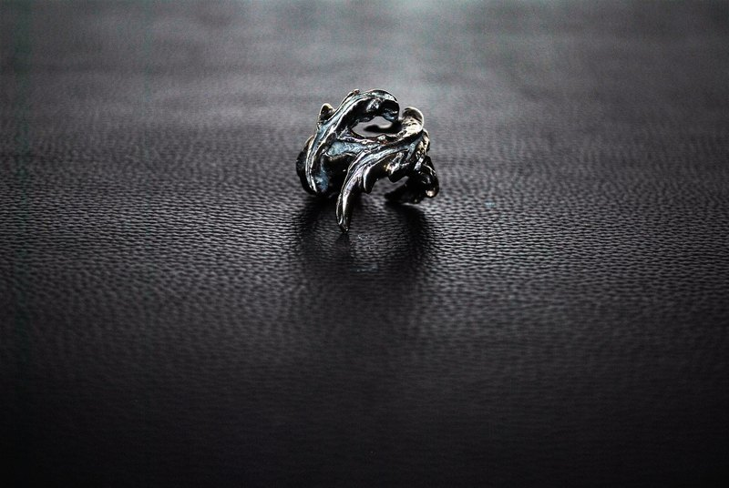 | Alarein | handmade silver | Forest Series | Ring | Scar