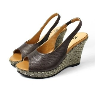 Coffee │ fish mouth wedge sandals