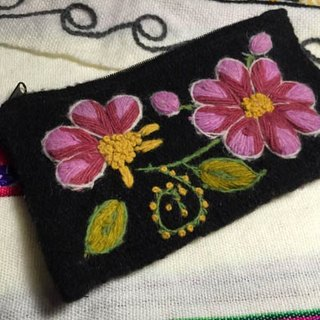 Warm flower glove hand embroidery bag