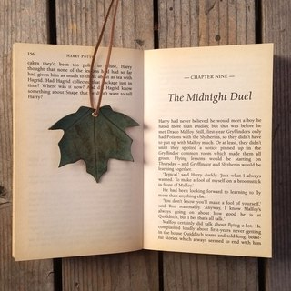 Leather Leather Cowhide - Traveler Maple Leaf Bookmark - Maple Leaf Green - Free Customized English Typing