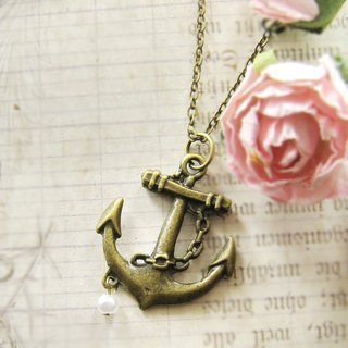 Simple Green bronze anchor necklace