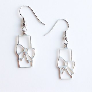 [Orders] production Earrings / 950 Silver ribbon gift design