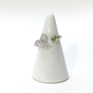 Martin's Secret || Orchard orchard seasons plated silver peridot ring