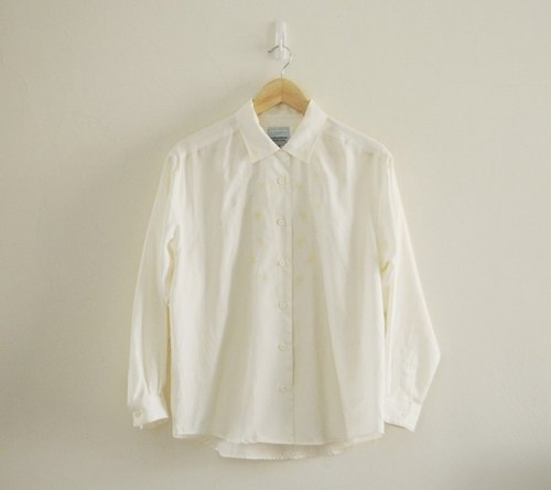 Spend vintage / beige embroidered shirt