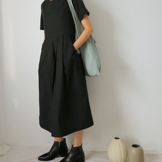 Waseda Dress black high waist short sleeve long version temperament dress