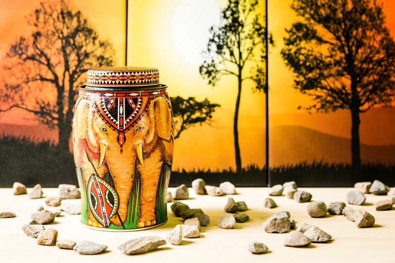 【Out of Print】Guarding African Elephant Tea Pot (Contains Kenya Earth Tea/20 Stereo Tea Bags)