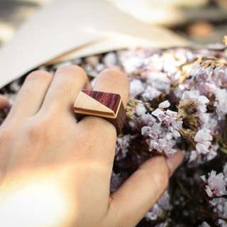 Geometric cream&red wood ring