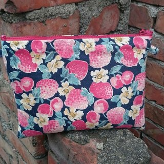 8'wind small strawberry cosmetic bag debris bag 3C Personal Products