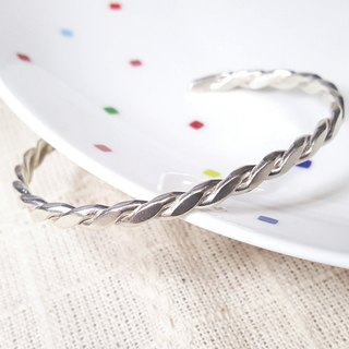 // // Twist wrapped sterling silver bracelet bracelet female models Type C