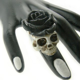 Realistic Skull rose crown ring in brass with painting enamel ,Rocker jewelry ,Skull jewelry,Biker jewelry