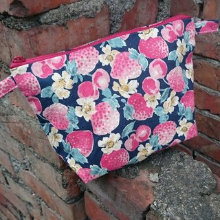 8 'wind small strawberry cosmetic bag debris personal items