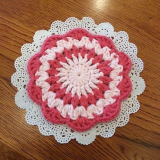 [Knitting] flower coaster - pink with pink Waltz