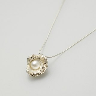 I-Shan13 Volcano Shell Pearl Necklace
