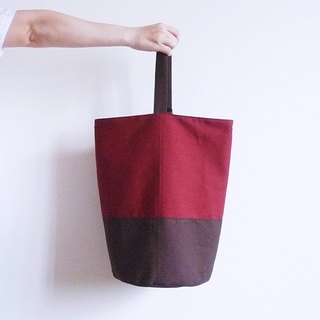 Dark red X dark brown sailor bucket (round) type of bunched shoulder oblique backpack