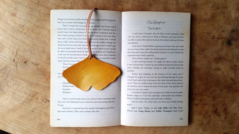 Leather cowhide - travel ginkgo bookmarks / accessories / card - can be free guest exclusive English name / good sentence typing service