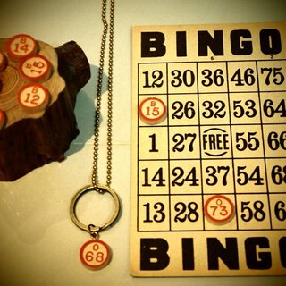 Classic games Bingo keychain + necklace + bingo board special postcard set triple group