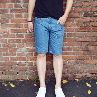 Denim cargo shorts (light blue)