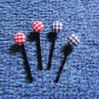 (C) red blue grid lattice cloth buttons _ small hairpin C20ASZ20Z21