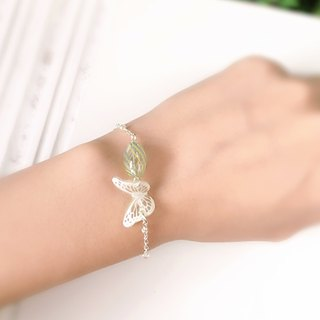 * Haku‧Neko * White patternGreen Hand painted Butterfly Glass Bracelet
