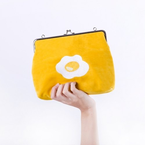 YIZISTORE export gold embroidery Shoulder Messenger bag - yellow omelette