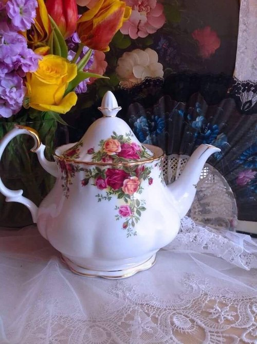 ♥ Anne Antiquarian ♥ British bone china royal Arbat Royal Albert 22k gold-plated country rose for 6 large size flower cup pot ~ stock new