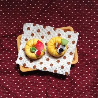 Falan Qi donut earrings set (can be changed ear clip-on) ((over 600 were sent mysterious little gift))