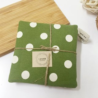 :: Lane68 :: green background white spots handmade place mats / heat pad (set of two)