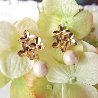 cotton pearls and flowers earrings